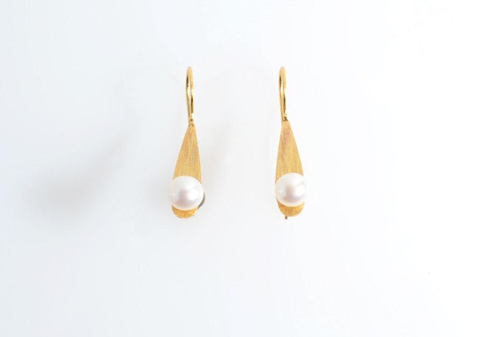 White Pearl on Gold Leaf Earrings