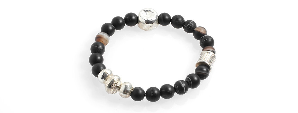 Eye Agates Stretched Bracelet with Handcrafted Silver Beads