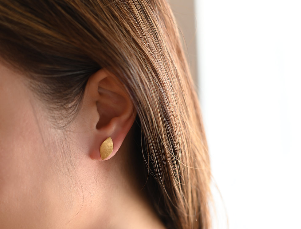 Gold Brushed Wavy Leaf Earrings