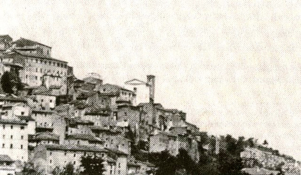 La chiesa di S. Pietro tra le case