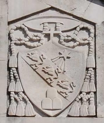 Stemma in facciata del Vescovo Leonetti