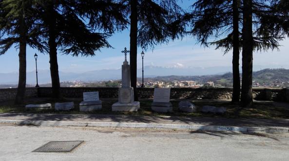Monumento sul sito della chiesa oggi