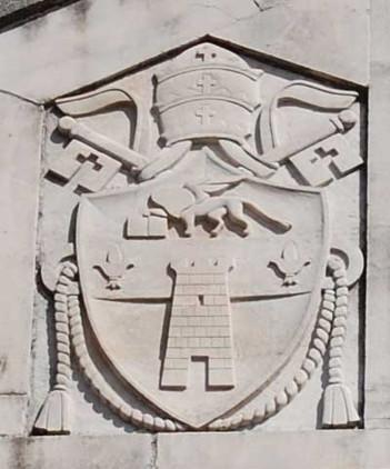 Stemma in facciata di Giovanni XXIII
