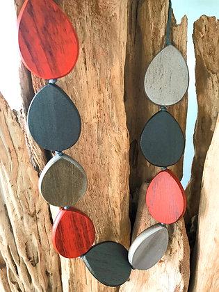 Pebble Tones Necklace