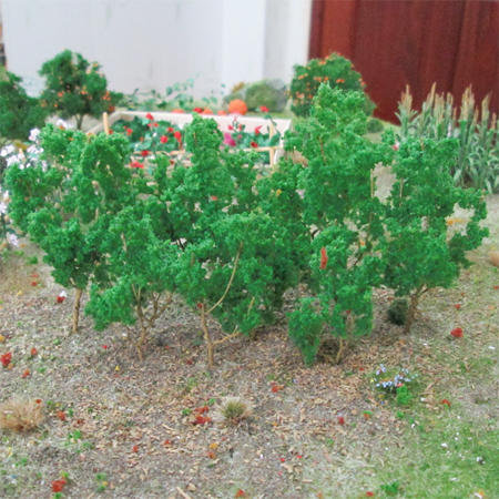 "Medium Green Branches 1.5"" to 3"", 50/pk MP Scenery"