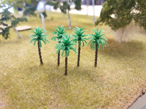 Plastic Palm Tree 35mm 20pk Clearance