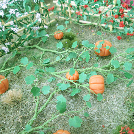 "Pumpkins 1-3/8"", Length HO-scale, 6/pk MP Scenery"