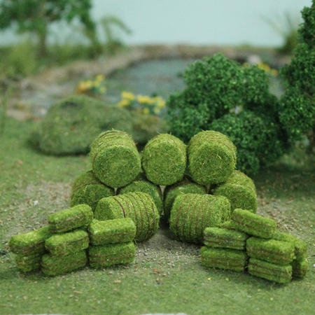 Green Hay Bales, HO-scale, 30/pk (10 round and 20 rectangular) MP Scenery