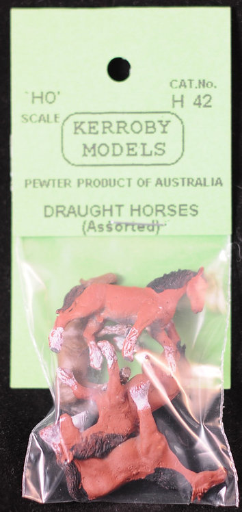 4 x Draught Horses Assorted HO Kerroby Models KM-H42