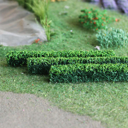 "Green Hedges 5"" x 3/8"" x 5/8"", Tall HO-scale, 6/pk MP Scenery"