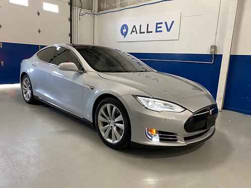 2015 Tesla Model S - 85D AWD