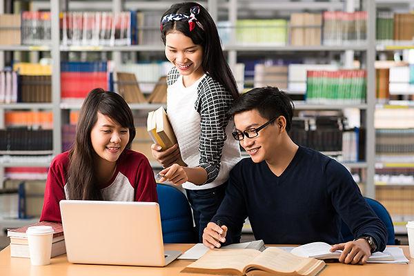 chinese students digital marketing.jpg