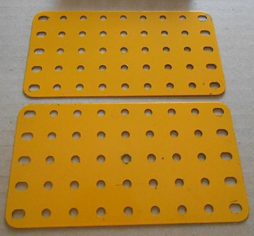9 x 5  flat plates in Yellow (2)