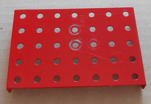 7 x 5  flanged plates in red (1)