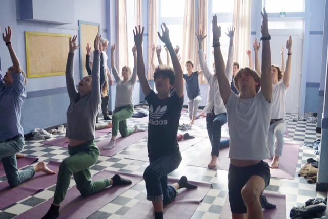Abdijschool tiener yoga