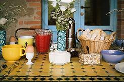 tavolo_colazione_warm.jpg