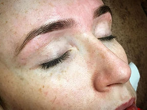Eyebrow wax and tint _#brows #browshaping #browstylist #salonlife #gemini #browtint #browsonpoint #b
