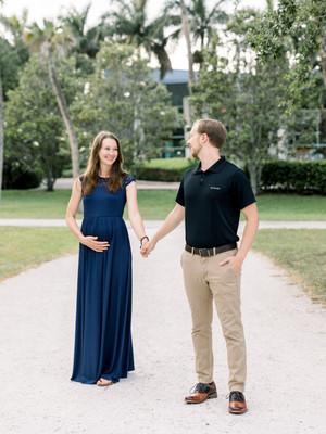 Rachel + Isaac | Riverside Maternity Session