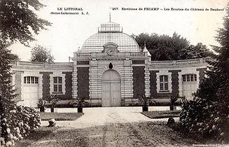 circa-1910-daubeuf-grandes-ecuries.jpg