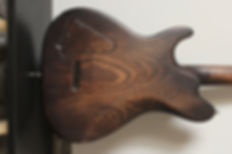 Luthier Magasin musique Scélérate Mathieu Penetcordes guitares basses instuments violon artisan Aube france Troyes Reims romilly nogent Provins paris Sezanne fait main bois sapelli ebene erable