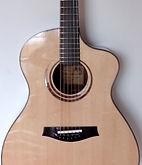 Luthier guitare Folk cordes acier Mathieu Penet Aube près de Troyes