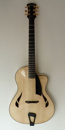 Mathieu Penet Luthier Aube Guitare Jazz Archtop Champagne Ardenne
