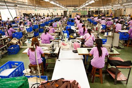 โรงงานผลิตกระเป๋าผ้า