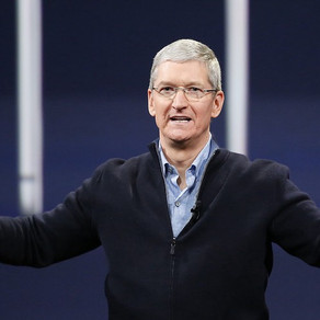 Apple becomes first US company to be valued at $2tn