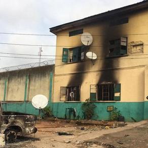 1,800 prisoners escape in Nigerian prison break
