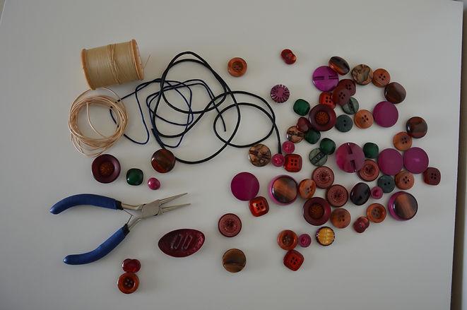 libellula store. Creazioni artigianalicn vecchi bottoni.
