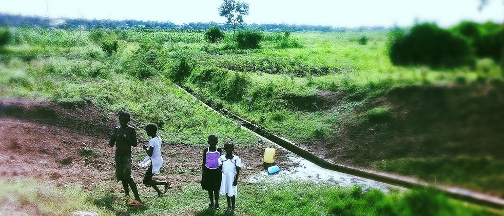 Children fetch dirty water in Homa Bay