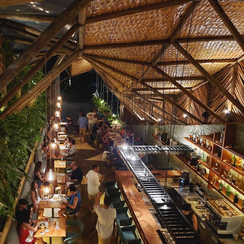 ello restaurante - vertical garden