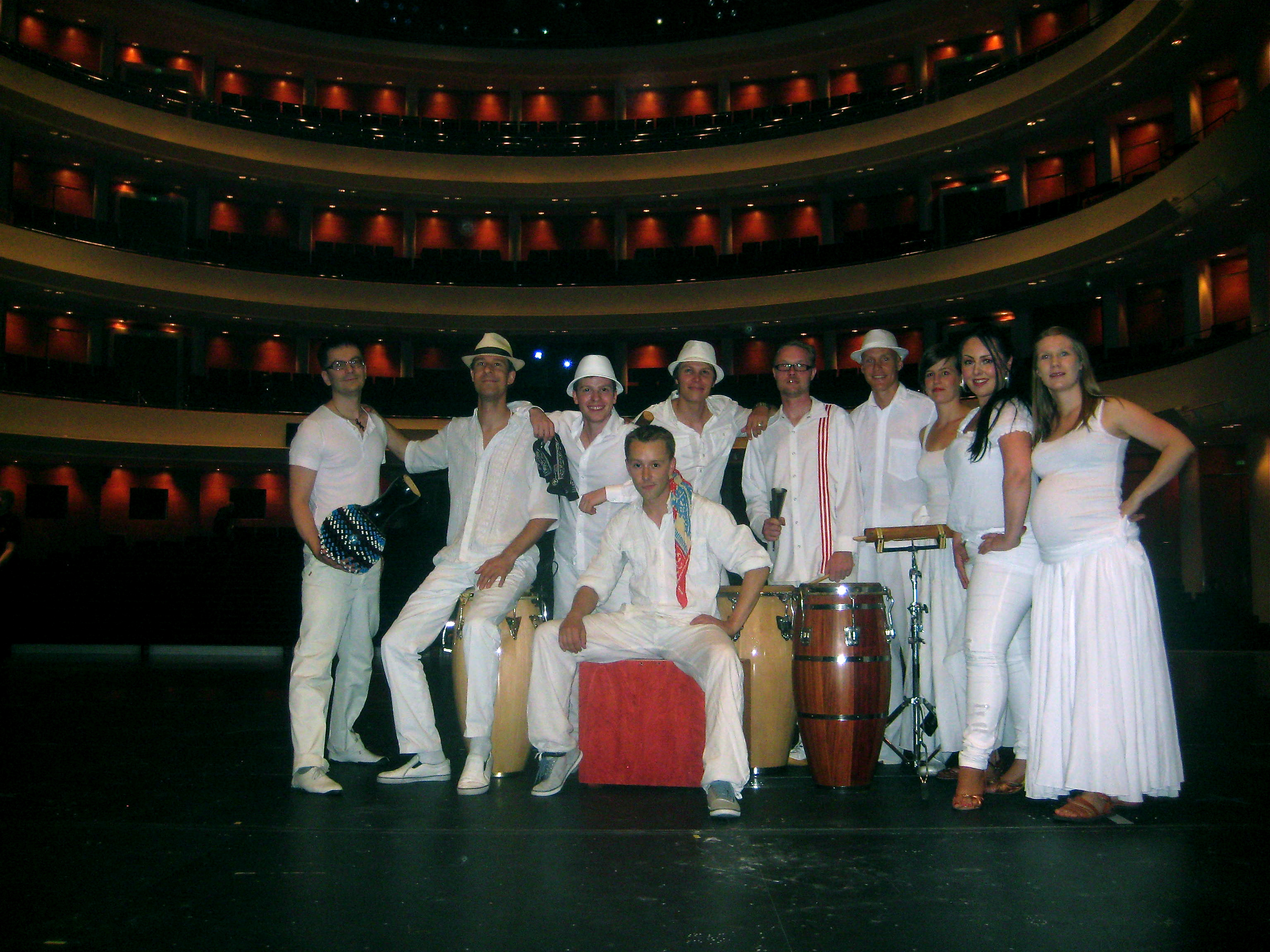 Los Elementos at the Opera house