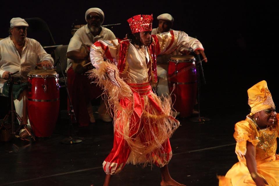 Jesús La Rosa Pérez esittää yoruba-jumala Changóa