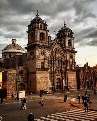 Bienvenidos a Cusco, the capital of the