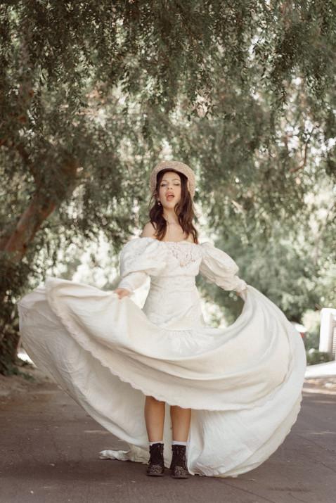 Kelsy_WeddingDress-10.jpg