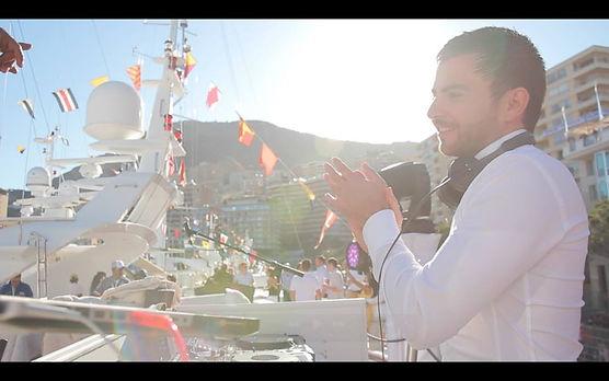 Soirée Blanche, Ambiance Monaco, French Riviera et Saint Tropez? Optez pour notre DJ 100% Made in Saint Tropez pour ambiancer votre soirée de prestige. Pour vos cocktails, Bar Mitzvah, Soirées privées, Mariages et Evènementiels Corporate Entreprises.