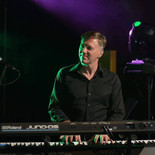 Our professional pianists offer a varied repertoire of classical music, Jazz, Pop, French songs for all your events, Cocktails, Weddings, Private Parties, Bar Mitzvah, Companies.