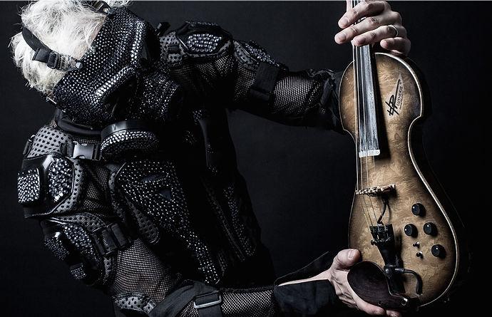 Un Show Unique au monde qui révolutionne le violon. MyLive Artists vous propose FUTURE VIOLIN pour tous vos Events Musique.
