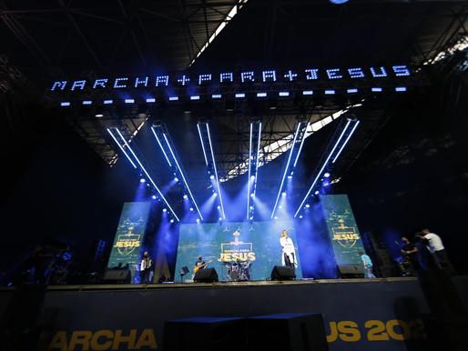 Carreata pró-Marcha para Jesus termina com show drive-in