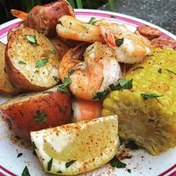 Shrimp Boil Plate UM