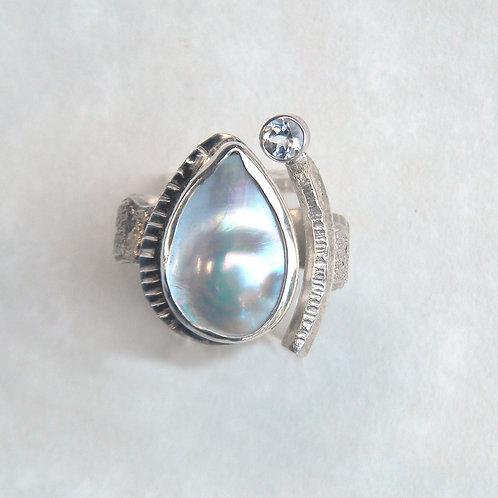 Blister Pearl Teardrop Ring