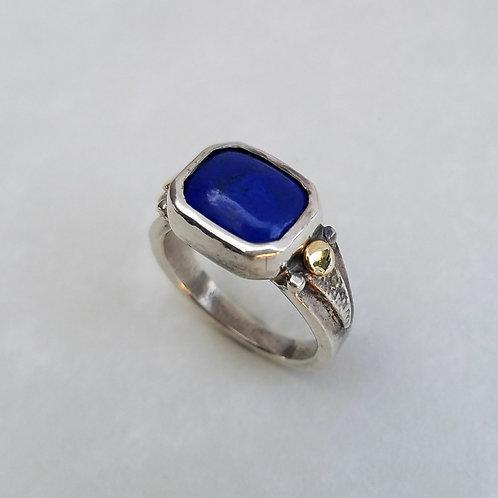 Lapis-lazuli ring