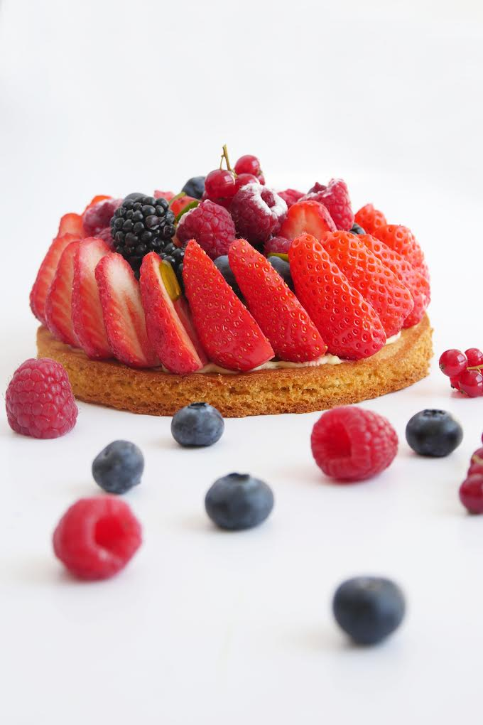 Red berries tart