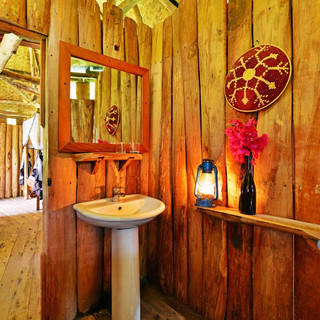 Hippo Family Cottage Bathroom.jpg