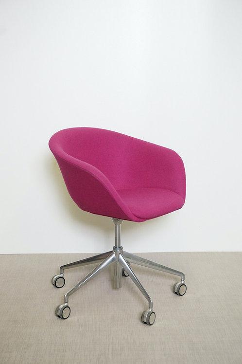 Fotel Arper Duna 02 Pink