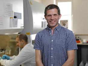 """כשהנדסה פוגשת ביולוגיה - ראיון מחקרי עם ד""""ר בן מעוז"""