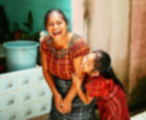 Project Mercado Global Mother and daughter_edited.jpg