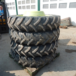 Set of 270/95R36 Kléber wheels
