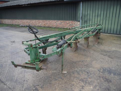 John Deere 5 Bottom semi-mounted plow